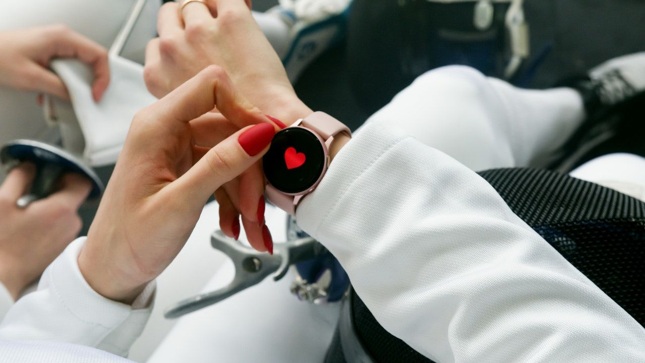 What Are The Benefits Of Wearing Wearable Technology